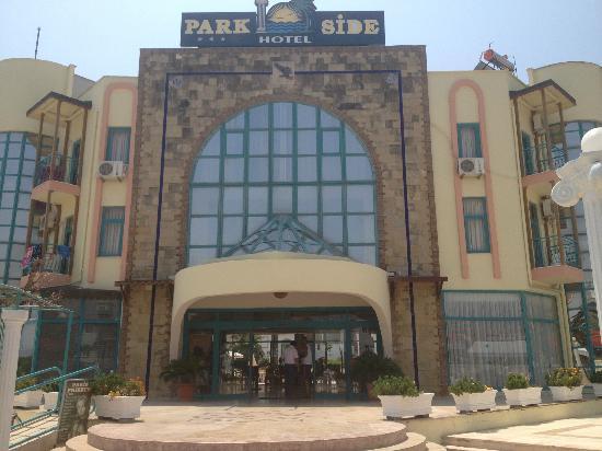 Park Side Hotel: main enhtrance