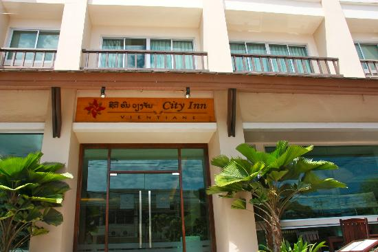 City Inn Vientiane: Front of the hotel