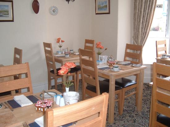 Mayfair Guest House : dining room