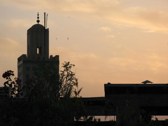 Riad Sekkat: coucher de soleil sur la terrasse