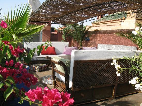 Riad Sekkat: espace détente de la terrasse