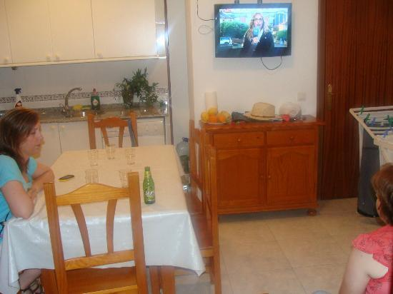 Apartamentos Playa Mar: Cocina-comedor