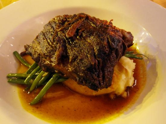 Kitchenette: Beer-Braised Short Ribs with House BBQ Sauce