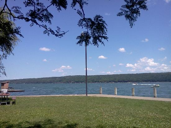 Finger Lakes Wine Country: Taughannock Park at Cayuga Lake