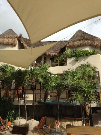 Mezzanine: hotel