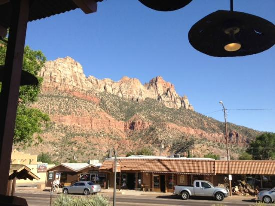 Zion Pizza & Noodle Co : View from the front porch