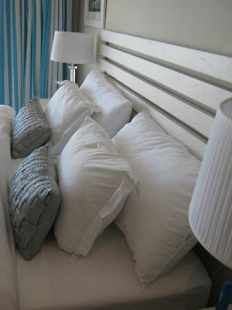 61 On Camps Bay: Fabulous Beds