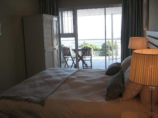 61 On Camps Bay: Sea view room 1