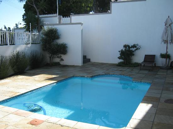 61 On Camps Bay: Pool area