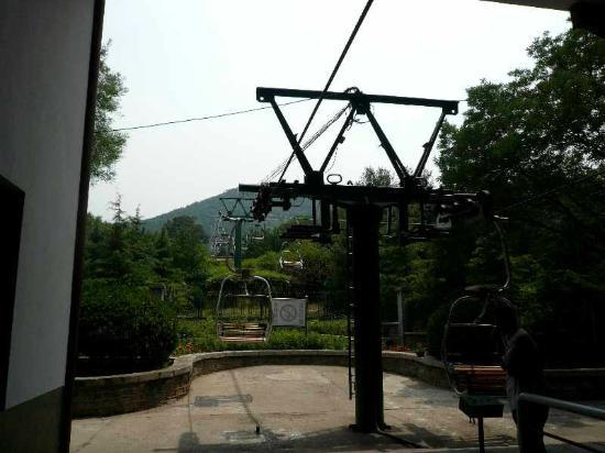 千佛山照片