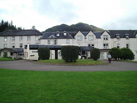 ‪‪Loch Achray Hotel‬: Loch Achray Hotel with Lochs and Glens coach
