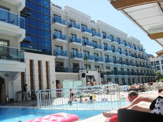 Emre Beach Hotel Rooms