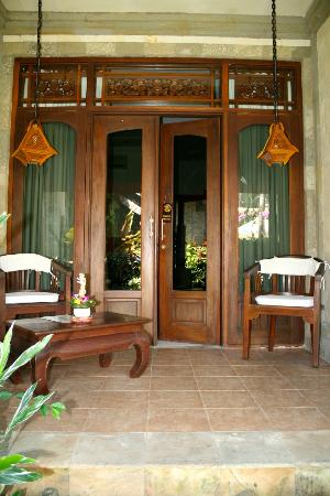 Tamukami Hotel: Bungalow suite verandah