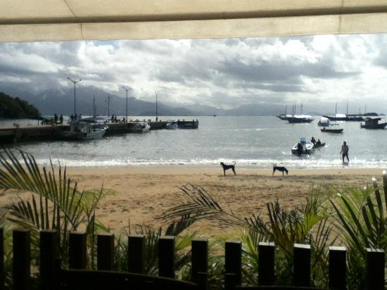 Pousada O Pescador: vista desde el resto y desayunador