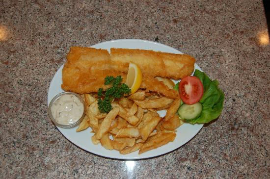 Drake's Fish & Chip Restaurant: Flaky fish cooked to order in light golden batter