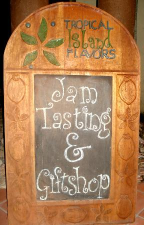 Marble Hill Farms : Jam tasting sign