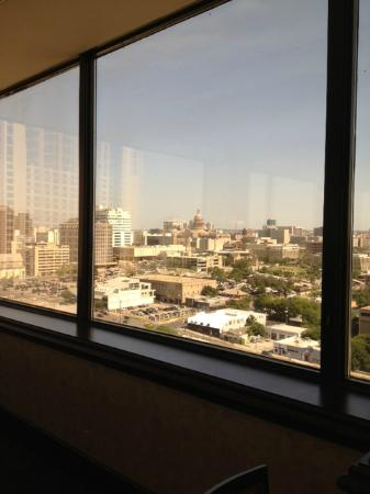 Hilton Garden Inn Austin Downtown/Convention Center: View from Restaurant