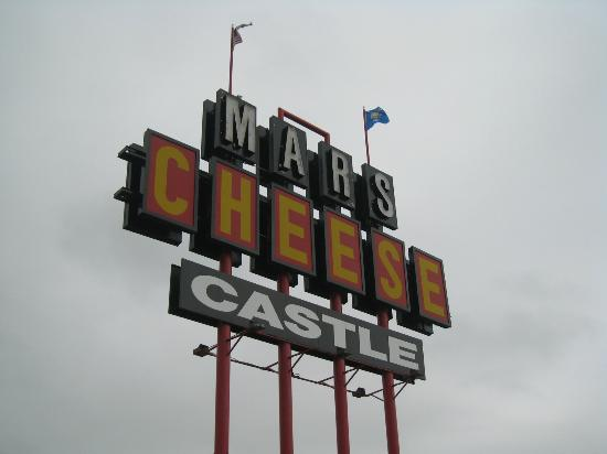 Mars Cheese Castle : Sign