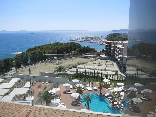 Big Blue Hotel Deals