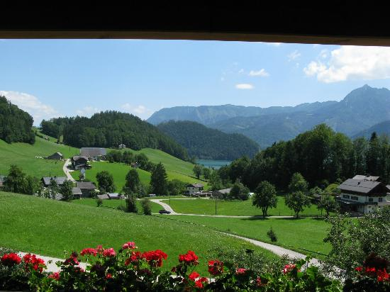 Vitalhotel Wolfgangsee: The vue from our room to Lake Wolfgangsee