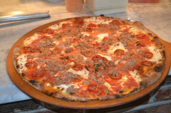 Tommy's Coal Fired Pizza: for meatlovers everywhere!