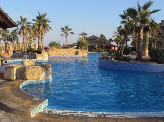 Piscina toboganes picture of zimbali playa spa hotel for Piscinas almeria