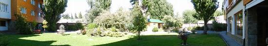 Hotel Kosten Aike: Jardin interno
