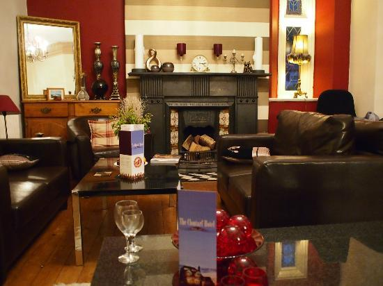 The Clontarf Hotel: Cosy and comfy lounge