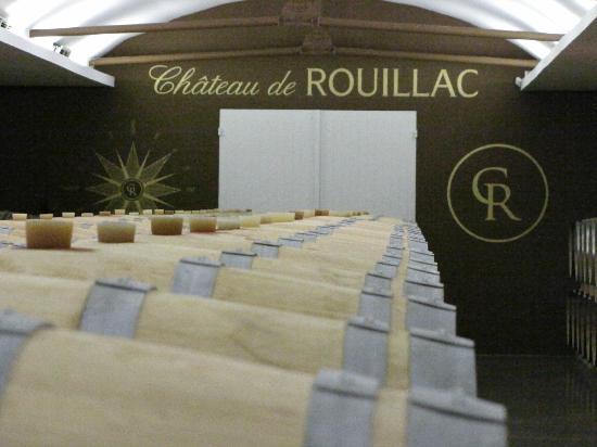 Chateau Lavergne-Dulong - Chambres d'hotes: Wine Cellar