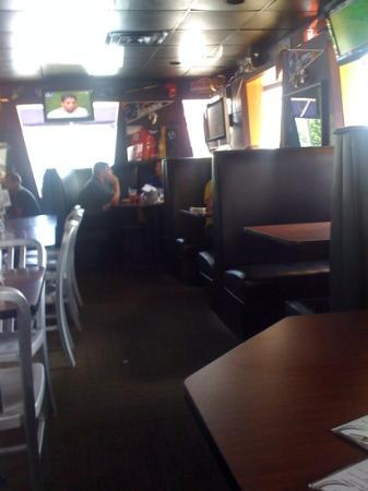 Soccer Taco Sports Bar & Tc's: very comfortable dining room!