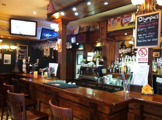 The Gaffe Pub: Bar