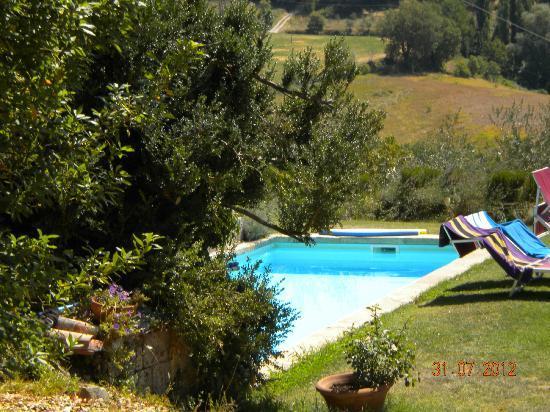 Casa Spertaglia: Swimming pool in the garden area