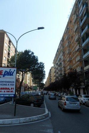 Twin Cities Hostel Rome: neighbourhood