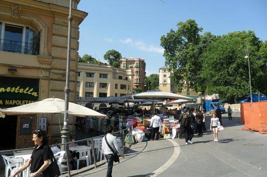 Twin Cities Hostel Rome: little bazaar in the neighbourhood