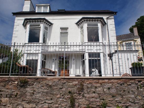 Bryn Arthur Guest House: The Bryn Arthur