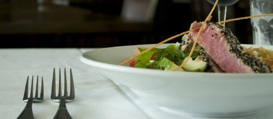 Limestone Grille: Ahi Tuna Salad
