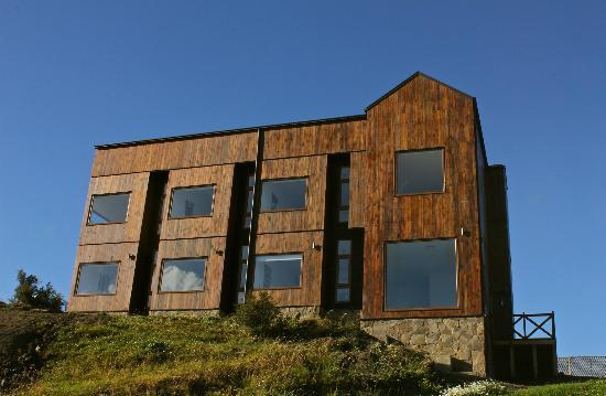Weskar Patagonian Lodge: New Deluxe Lodge