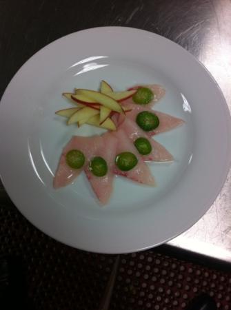 Hilton Garden Inn Fort Worth Alliance Airport: sushi at a hotel? yummy