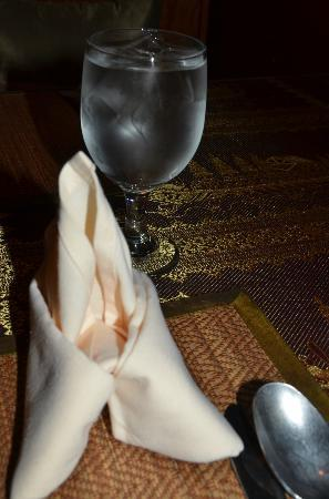 Royal Orchid: Place setting