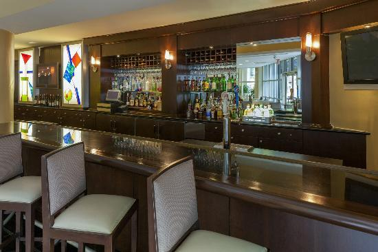 Sheraton Metairie New Orleans: Hedges Bar