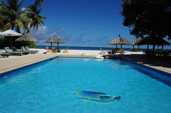 Desroches Island: The pool