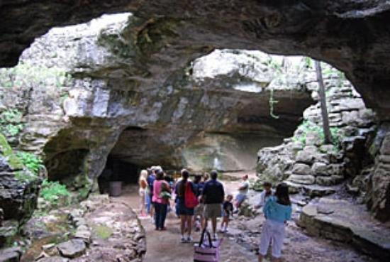 Canyon of the Eagles Resort: grotte