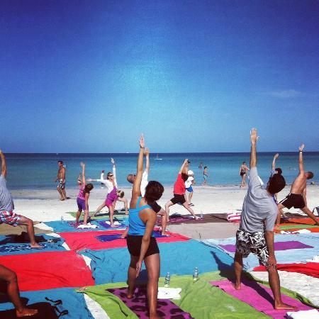 Tropical Beach Resorts: Complimentary yoga every Wednesday and Saturday