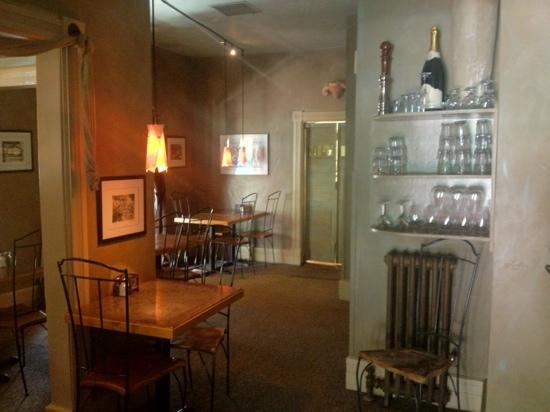 Cyprus Cafe: inside