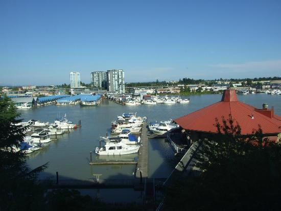 Pacific Gateway Hotel at Vancouver Airport: View of the Marina from the room.