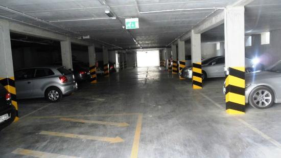 Villa Rosella Resort: il garage