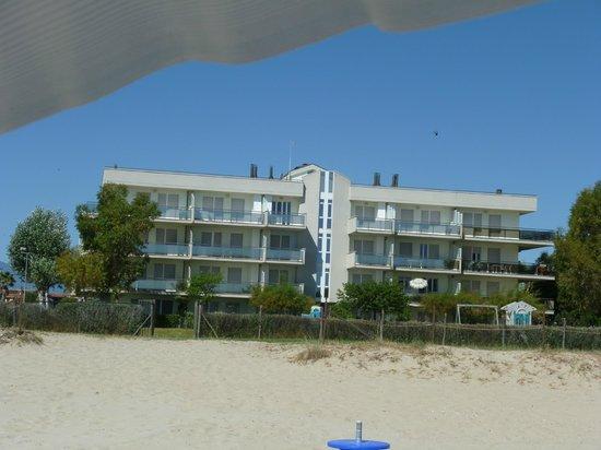 Brezza di Mare: residence visto dalla spiaggia