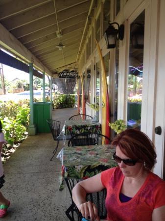 Kono's Restaurant : outside tables