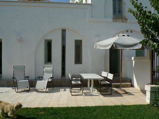 Vår matplats ute på terrassen - Picture of Masseria Alchimia ...