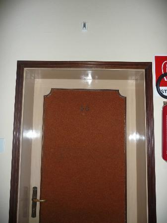 Hotel Terme Villa Piave : porta ingresso camera